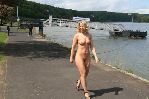 Beautiful Naked Girls In Public Places