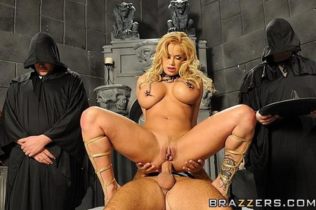 Big Butts Like It Big - Shyla Stylez