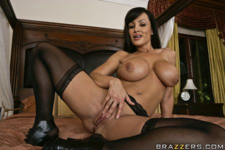 Day With A Pornstar - Lisa Ann (Who wants to chill with Lisa Ann for a day)