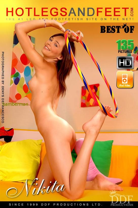 Naked lady nice boobs
