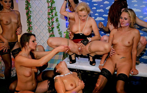 18 Eurobabe Lesbo Piss Party Part 3!!