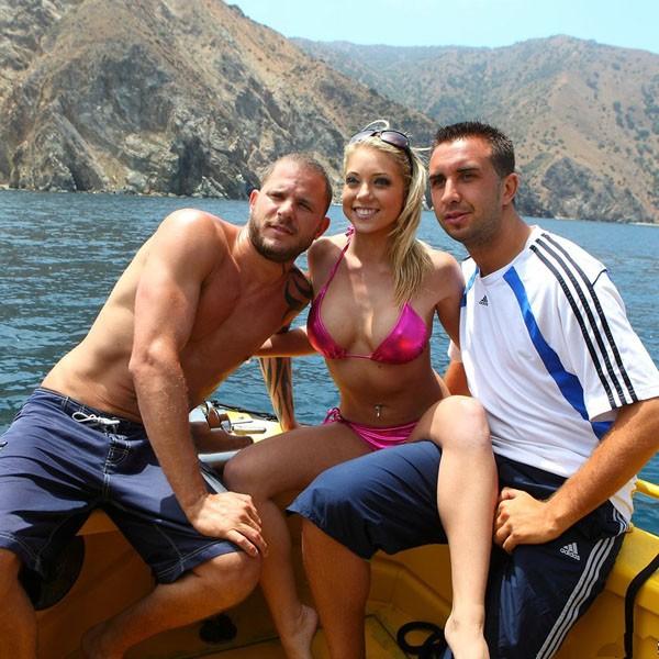 Экстремальный секс на яхте 4 фотография