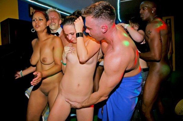 Public. Бесплатные xxx порно.