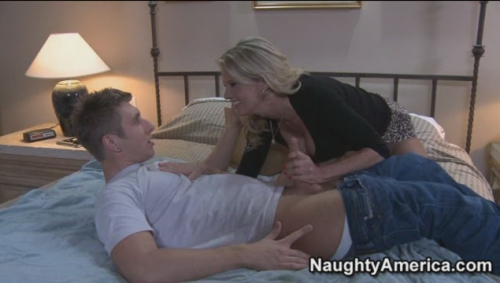 Bridgett Lee - Seduced by a cougar