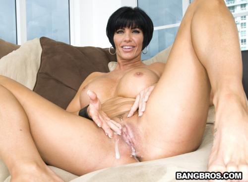 Shay Fox - Mom's Creampie