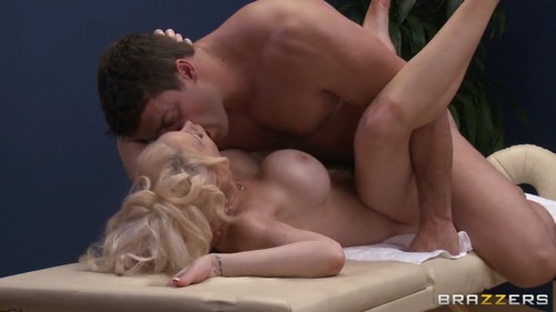 Dirty Masseur – Candy Manson – Masseur To The Stars