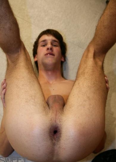 gay roto joven desnudo
