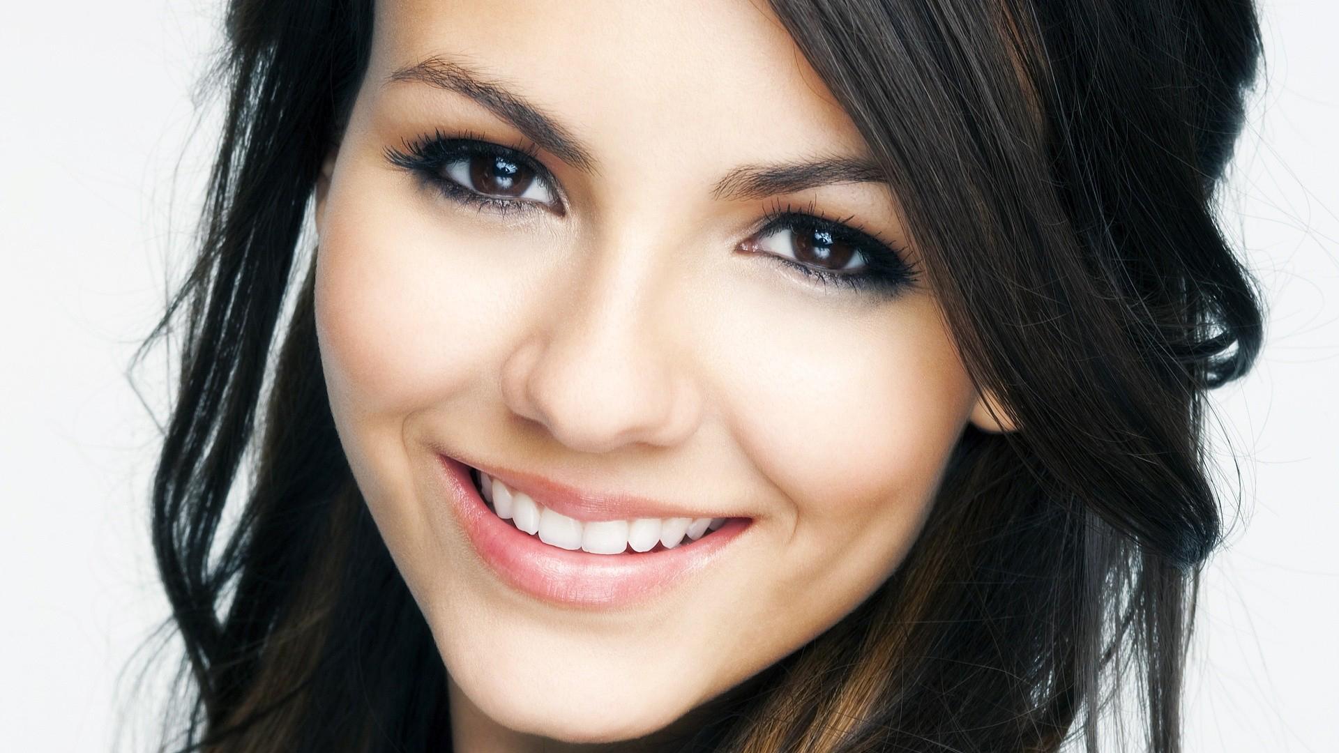 beautiful female celebrities wallpapers - photo #21
