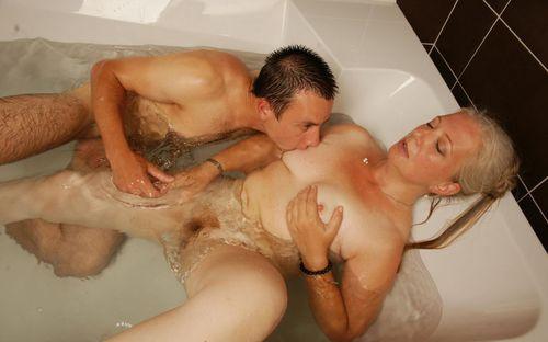 онлайн фото секс в ванной