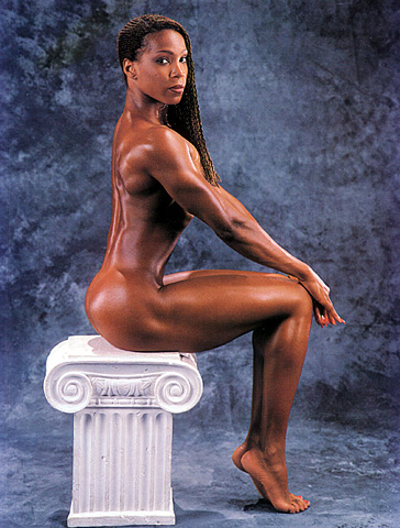 Modern amazons the art of aesthetic female muscle bill dobbins on photography