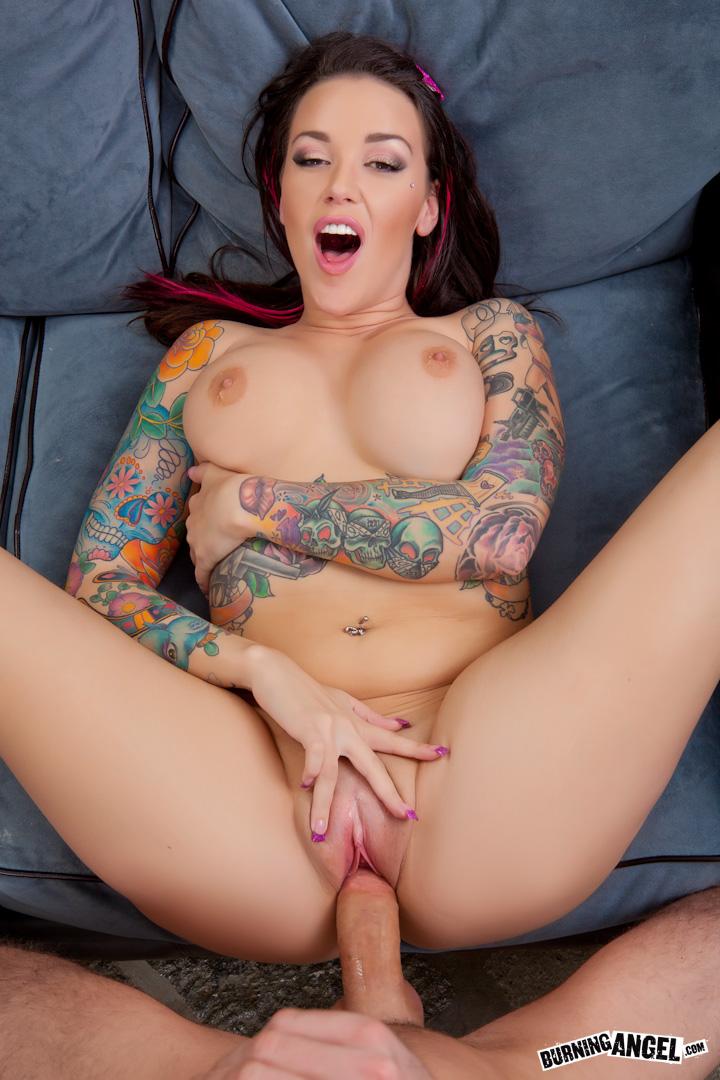 Emily Parker Nude